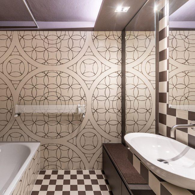 vivante design Mandala with Checkerboard